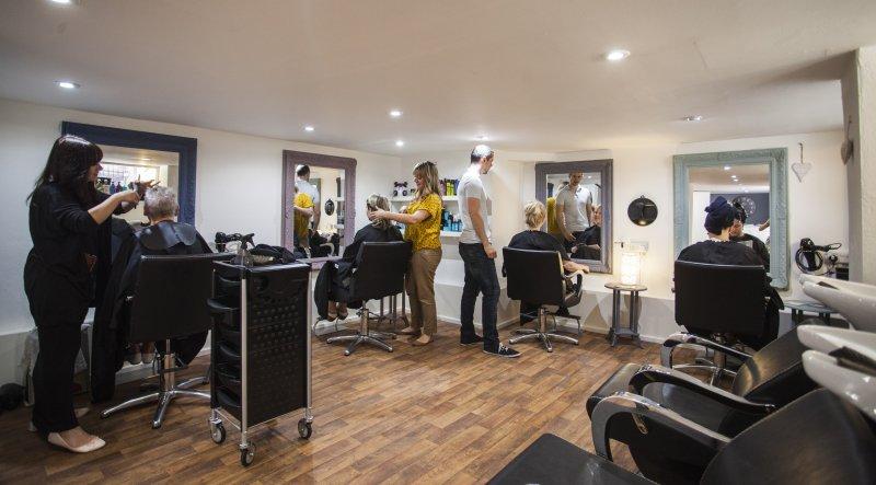 Come aprire un negozio di fornitura parrucchieri